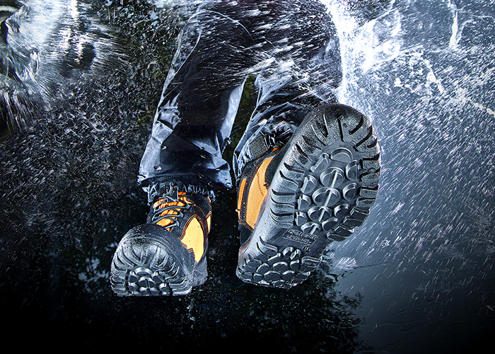 Now chosen by water rescue professionals the Goliath Dry Suit Boot is a suitable choice for flood and swift water rescue