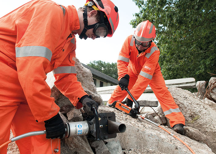 New compact and lightweight hand pumps from Holmatro