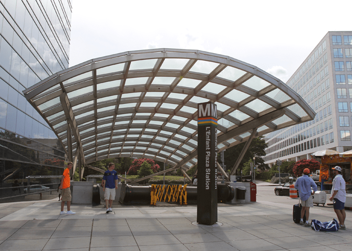 Woman dies after smoke fills Washington metro station