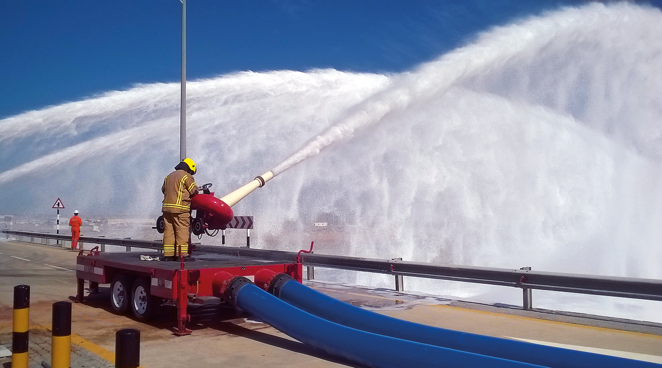 Big Flow system involves pump sets, extra-large diameter hoses and high capacity monitors.