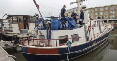 Thames-side fire crews visiting boat owners