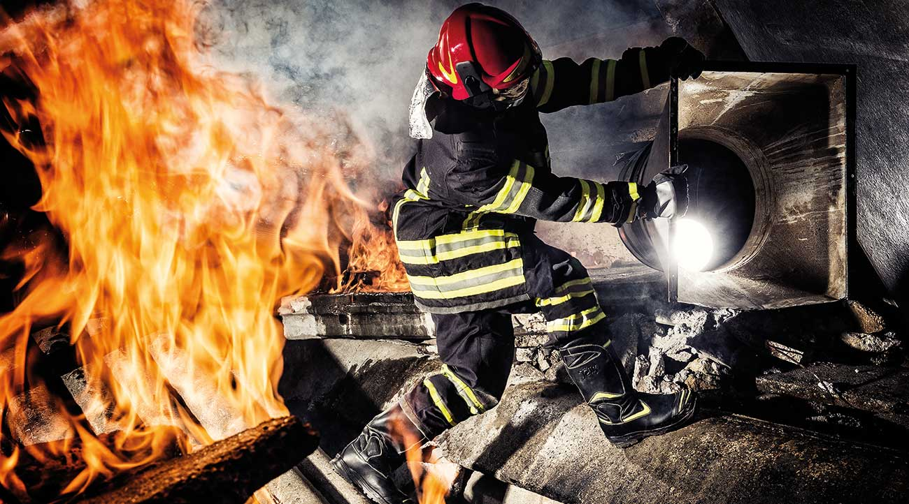 The latest evolution of Jolly structural fire-fighting boots exceeds all the original performance expectations.